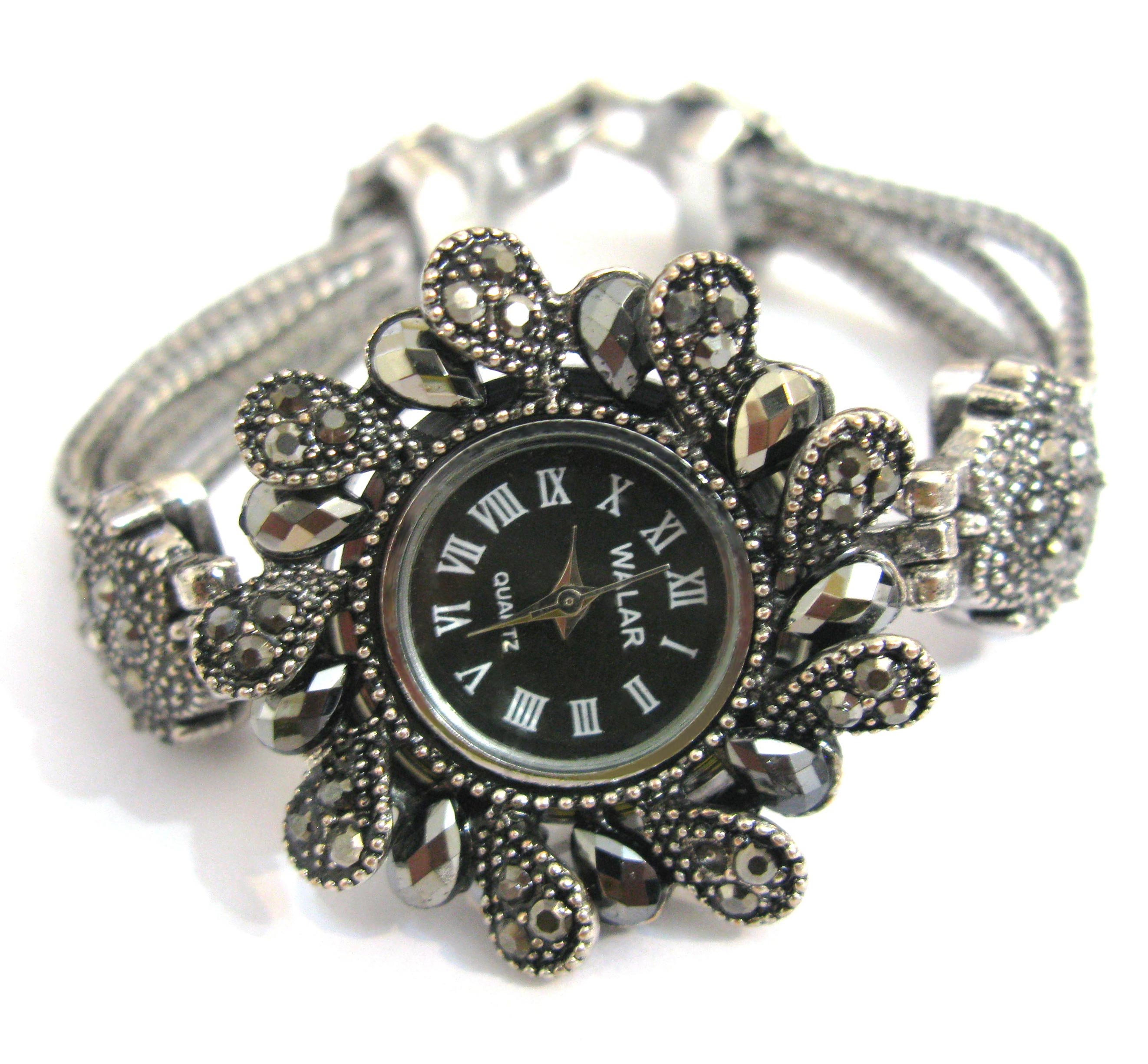 Buy watches for women, stylish silver design