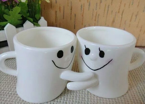 hugging-coffee-mug-set-580x417