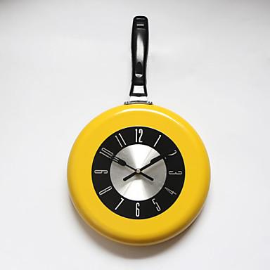 خرید ساعت دیواری فانتزی شیک ارزان قیمت طرح ماهیتابه