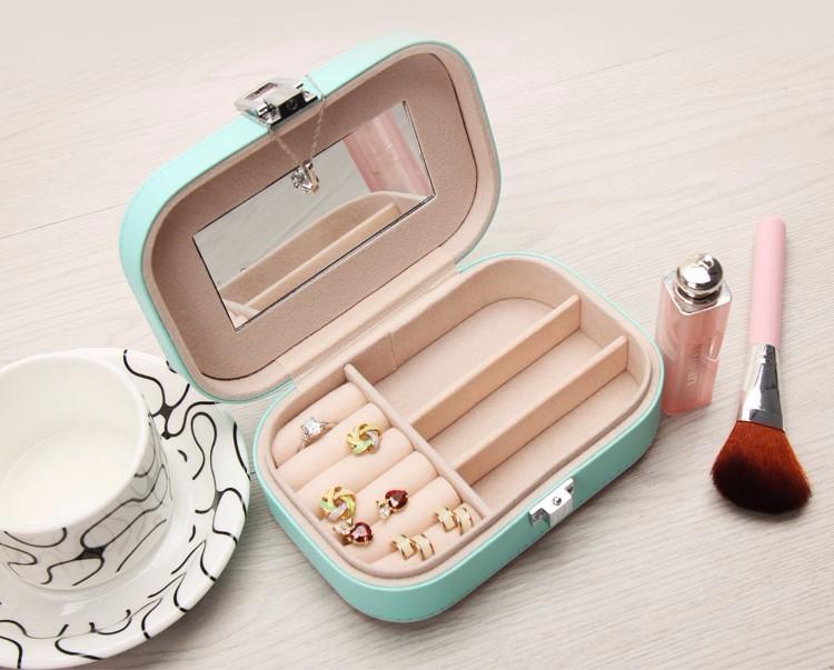 جعبه جواهرات و لوازم آرایش کوچک چرمی