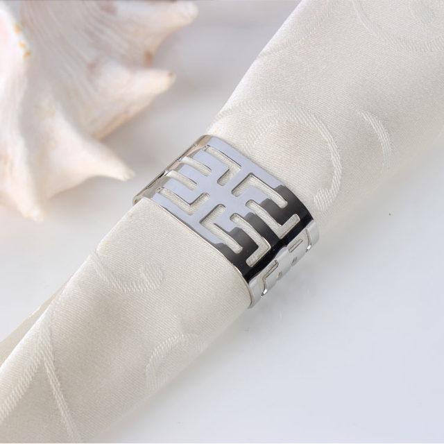 خرید پستی  حلقه ی دستمال