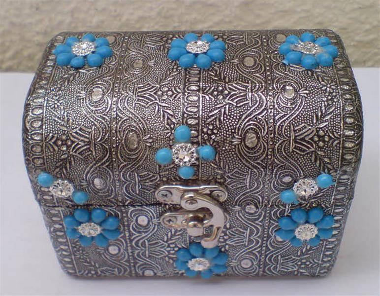خرید پستی  صندوقچه جواهرات طرح فلزی کلاسیک قفل دار 2عدد